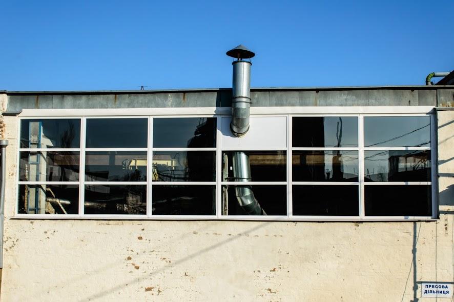 Вітраж у виробничому приміщенні пресової дільниці ПАТ ПТМЗ
